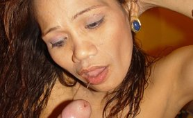 Maria 42yo Filipino mature Asian hooker